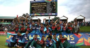 bangladesh-players-celebrate-with-the-trophy-